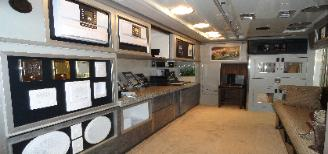 Mobil Showroom Interior picture
